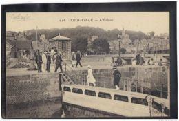 14382 . TROUVILLE . L ECLUSE . ANIMATION - Trouville