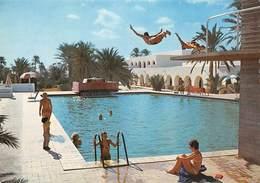 Tunisie - ZARZIS - Zarzis Hôtel - Piscine - Plongeoir - Plongeurs - Tunisia