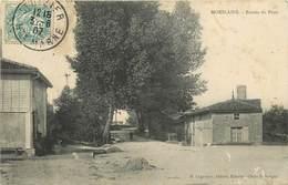 MOESLAINS - Entrée Du Pont.(carte Vendue En L'état) - France