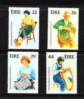 Irlanda - 1983. Artigiani: Sarta, Viminista, Ricamatrice, Arpista. Weaver,embroiderer, Harper. MNH Complete Set - Professioni