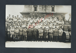 MILITARIA CARTE PHOTO MILITAIRE GROUPE SOLDATS TANKISTE DU 506e RCC & OFFICIERS AVEC MEDAILLES CHAR NON ECRITE : - Personaggi