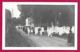 Carte Photo Homblières - Probablement En 1922 - Procession De Sainte-Hunégonde - Other Municipalities