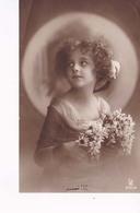 Grete Reinwald Jeune Bouquet Marguerite - Portraits