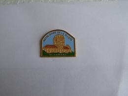 Pins Eglise Notre Dame De La Riviere Beaumont - Villes