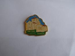 Pins Saint Denis Barnazat Auvergne - Villes