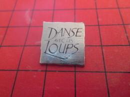 718a Pin's Pins / Beau Et Rare / THEME : CINEMA / FILM DANSE AVEC LES LOUPS - Cinéma
