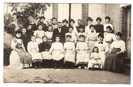 Supposé CLUIS (36) - CARTE PHOTO - 1908 - GROUPE DE FEMMES - France