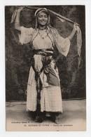 - CPA SCÈNES ET TYPES - Danse Du Mouchoir (superbe Gros Plan) - Collection Idéale P. S. N° 76 - - Algérie