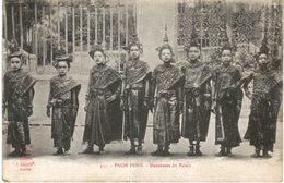PNOM PENH .... DANSEUSES DU PALAIS - Laos