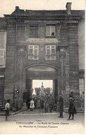 70. Vauvillers. La Porte De L'ancien Chateau Du Maéchal De Clermont Tonnerre - Autres Communes
