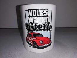 VOLKSWAGEN COCCINELLE COX BEETLE 1300 1303 VW TASSE Ceramique MUG COFFEE NOEL - Voertuigen