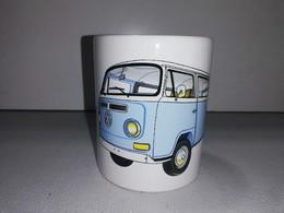 VOLKSWAGEN COMBI TRANSPORTER SPLIT WINDOW T2 VW TASSE Ceramique MUG COFFEE NOEL - Vehicles