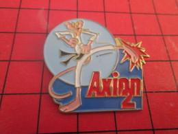 813e Pin's Pins / Beau Et Rare / THEME : CINEMA / DESSIN ANIME PANTHERE ROSE KARATE LESSIVE AXION 2 - Cinéma