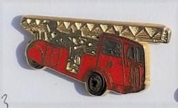 PO40 Pin's CAMION Pompiers Pompier Echelle Signé Ballard Achat Immediat - Brandweerman