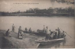 CPA La Pêche à L'alose Sur La Garonne (très Belle Scène) - Photo Médeville Podensac - Francia