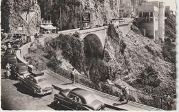 R 33 : Alpes  Maritimes :  MENTON : La  Frontière , Le  Pont  Saint  Louis  1955 ( Automobile ) - Menton