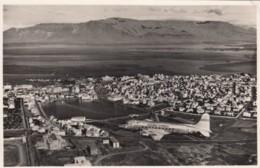 Iceland Air Propeller Plane Over Reykjavik, Iceland Tourist Bureau C1940s/50s Vintage Postcard - 1946-....: Era Moderna