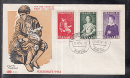 2492 ) Free Shipping To //   SAAR AREA 1954 FDC VOLKSHILFE PAINTING - FDC