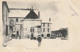 SAULIEU  Place De La Halle - Saulieu