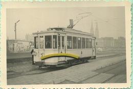 TRAM:  9476  : Four La Desserte Des Lignes Urbaines D'Ostende , Motrice A 2 Essieux  .....       9 X 6 Cm ( See Detail ) - Trains
