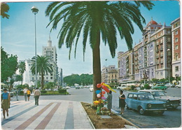 Malaga: SIMCA 1000, SEAT 1500 - Plaza De Quiepo De Llano - (Espana/Spain) - Toerisme