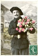 N°73013 -cpa Un Chasseur Alpin - Uniforms