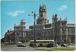 Madrid: OPEL REKORD A COUPÉ,  PEGASO 5022 AUTOBUS AUTOCAR - Cibeles Y Palacio De Comunicaciones - Toerisme