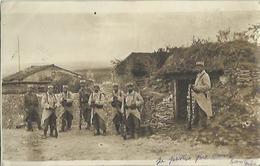 9318 Photo Carte Groupe De Soldats - 29 Sur Le Képi - Guerre 1914-18