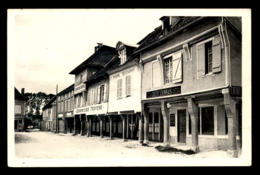 10 - CHAOURCE - LES ARCADES - RUE DE L'HOTEL DE VILLE - BANQUE CREDIT LYONNAIS - THIROINE RESTAURANT - Chaource