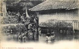 Indonésie - Inde Néerlandaise - Kinderen In Bath - Enfants Au Bain - Indonésie