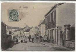 89 - 30722  -  FLEURY     -  Village Animé - Non Classés
