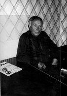 87- CHATEAU CHERVIX- JEAN AUXEMERY MAIRE A AUSSITOT REAGI A LA FERMETURE DE LA BOULANGERIE -L' ECHO-RARE PHOTO ORIGINALE - Persone Identificate