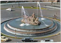 Madrid: RENAULT 8, SEAT 1400C, 1500, CITROËN AMI BREAK, POLICEMAN - La Cibeles - Toerisme