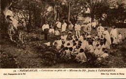 MADAGASCAR CATECHISME EN PLEIN AIR MISSIONS JESUITES A TANANARIVE - Madagascar