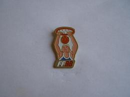 Pins Basketball FF 33 - Basketball