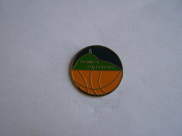 Pins Basketball Domes Trotters - Basketball