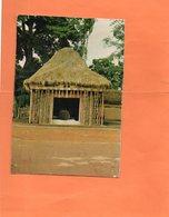 CAMEROUN. FOUMBAN. CASE DU TAMTAM D' APPEL. Achat Immédiat - Cameroon