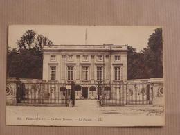 VERSAILLES Le Petit Trianon La Façade Département 78 Yvelines France Carte Postale Postcard - Versailles (Kasteel)