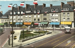 (SAINT HILAIRE DU HARCOUET )( 50 MANCHE ) PLACE GENERAL DE GAULLE ET LA RUE DU BASSIN - Saint Hilaire Du Harcouet