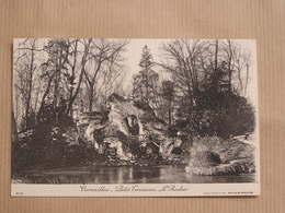 VERSAILLES Le Petit Trianon Le Rocher Parc Département 78 Yvelines France Carte Postale Postcard - Versailles (Castillo)