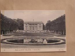 VERSAILLES Le Petit Trianon Côté Du Parc Département 78 Yvelines France Carte Postale Postcard - Versailles (Kasteel)