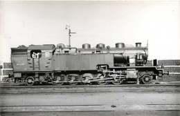 240519C TRANSPORT TRAIN CHEMIN DE FER - PHOTO 151TC758 SNCF BOBIGNY Cheminot - Gares - Avec Trains