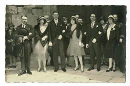 Carte Photo Extérieure - Groupe Hommes Et Femmes (dont Un Commandant) à La Sortie D'un église - Pas Circulé - Postcards