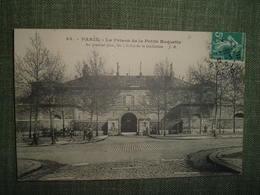 CPA PARIS LA PRISON DE LA PETITE ROQUETTE Premier Plan Dalles De La Guillotine. 84 Hauser. Justice Pénitencier Jail 1910 - Other Monuments