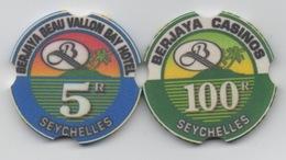 Jetons De Casino : Berjaya Beau Vallon Bay Hotel : Seychelles 5R & 100R (Publicité Manufacture CHIPCO) - Casino