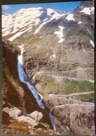 Ak Norwegen - Trollstigen   - Berglandschaften - Wasserfall - Serpentine - Norwegen