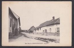 CPA - 80, Une Rue De DERNANCOURT ( Somme ) - Francia