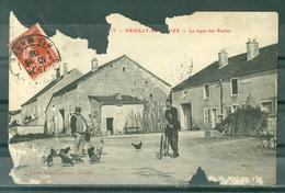 52 - NEUILLY SUR SUIZE - Le Repas Des Poules (carte En Très Mauvais état) - FACTEUR - VELO - POULES - France