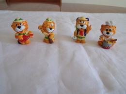 """Figurines ( 4 ) Kinder """" Famille Lion """" - Figurines"""