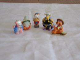Figurines ( 5 ) Kinder - Figurines